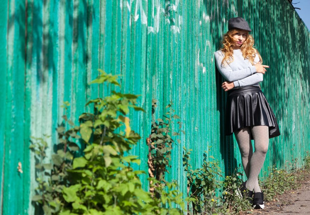 fence, style, leather skirt